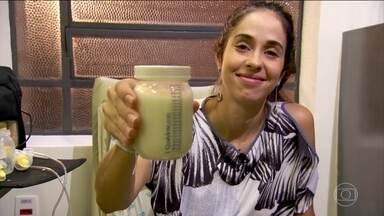 Mães com excesso de leite podem fazer doação - A doação pode salvar a vida de muitos bebês prematuros. Para doar basta usar um frasco vidro, com tampa de plástico, esterilizado. Prenda o cabelo, higienize as mãos e a mama, e deposite o leite no frasco.