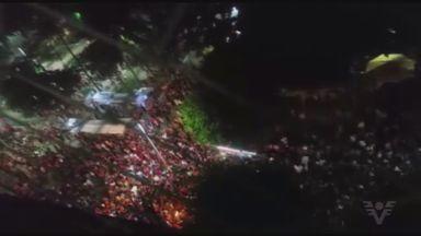Bloco das Cabritas reuniu milhares de pessoas em Guarujá - Bloco passou em frente a Praia de Pitangueiras.