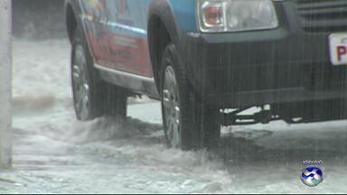 Chuvas registradas nos últimos dias destacam problemas estruturais das cidades - Em Caruaru, por exemplo, existem vários pontos que ficam alagados.