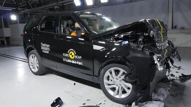 Land Rover Discovery leva 5 estrelas em teste de colisão na Europa - Nova geração do SUV de luxo chega ao Brasil ainda neste ano.