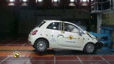Fiat 500 consegue apenas 3 estrelas em teste de colisão na Europa - Compacto retrô da Fiat vai mal em segurança se comparado a rivais.