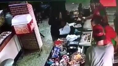 Padaria no Recanto das Emas é assaltada pela segunda vez em quatro meses - A padaria, que fica na Quadra 103 do Recanto das Emas, foi assaltada na tarde desta quinta-feira (2).
