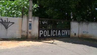 Moradores reclamam de delegacia abandonada em Cachoeiro, no Sul do ES - Prédio foi desativado em 2013.