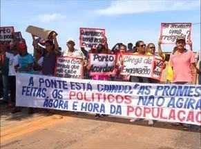 Moradores de Porto Nacional protestam por construção de nova ponte - Moradores de Porto Nacional protestam por construção de nova ponte