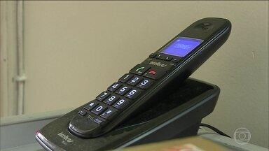 Está mais barato ligar de um telefone fixo para um celular - A redução já tem que aparecer na próxima fatura e vale também para as ligações feitas a partir de telefones públicos.