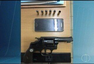 Em Taiobeiras, homem ameaça ex-namorada com arma e é preso - Outras duas pessoas que estavam com a mulher também foram ameaçadas.