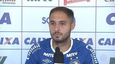 Bahia: meio-campo Regis fala sobre a situação do time nos campeonatos - Confira as notícias do tricolor baiano.