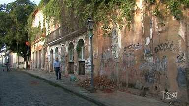 Casarões abandonadas representam risco à segurança e ao patrimônio em São Luís - Casarões abandonadas representam risco à segurança e ao patrimônio em São Luís