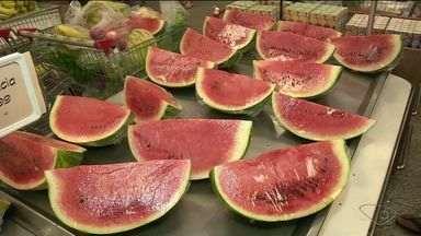 Confira dicas para se alimentar após a folia do carnaval - Nesses dias de folia, é comum desregular a alimentação.