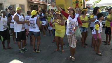 Foliões ainda curtiram neste sábado blocos carnavalescos - Festas aconteceram no Santos Dumont e no Prado.