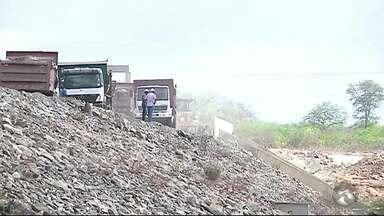 Ministério da Integração diz que vazamento em barragem foi contido - Devido ao vazamento, 60 famílias de 10 comunidades foram removidas.