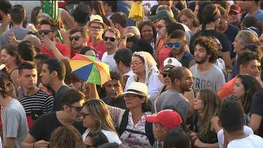Bloco 'Rubacão da Socorro' sai pelas ruas de Campina Grande - O bloco foi animado pela cantora Gitana Pimentel.