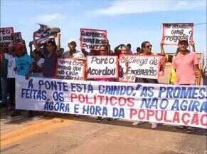 Moradores de Porto Nacional interditam ponte que correr risco de cair - Moradores de Porto Nacional interditam ponte que correr risco de cair