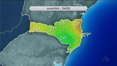 Frente fria passa por SC e domingo (5) tem chances de chuva em todo o estado - Frente fria passa por SC e domingo (5) tem chances de chuva e nuvens
