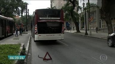 Passageiros reclamam de ônibus quebrados na região do Jardim Ângela - Em 2016, a SPTrans registrou 25.222 panes em ônibus. Um aumento de 37% em relação a 2015. Em média, foram 70 ônibus enguiçados por dia ou um a cada 20 minutos.