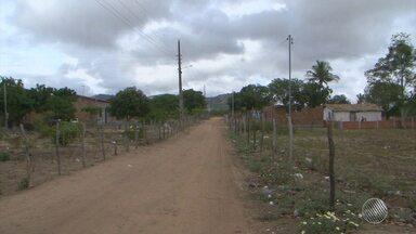Feira de Santana decreta situação de emergência por causa da longa estiagem - Na zona rural, a situação também está difícil nos distritos de Jaguara, Bonfim de Feira e Maria Quitéria. Confira na reportagem.