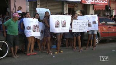 População realiza manifestação e pede justiça por assassinato em Santa Inês - Mulher foi morta por um adolescente de 17 anos na madrugada de domingo (12) no município.