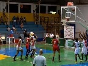 Basquete de Pres. Venceslau perde para o Uninassau - Meninas de Pernambuco dominaram o jogo.