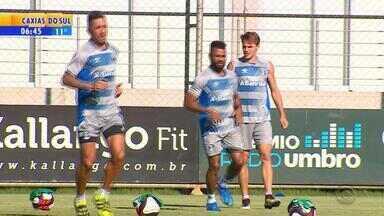 Grêmio volta a treinar para enfrentar Brasil de Pelotas - Jogo ocorre mais cedo: 19h30.