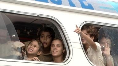 Senhora do Destino - Capítulo de quarta-feira, 15/03/2017, na íntegra - Maria do Carme chega ao Rio de Janeiro