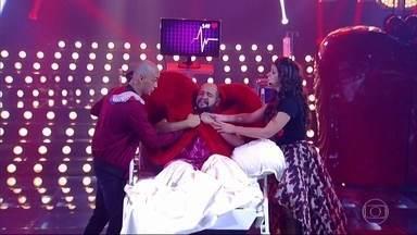 Mariana Santos e Eduardo Sterblitch apresentam musical sobre o fim do amor - Participação afetiva de Tiago Abravanel engrandece o espetáculo