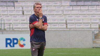 Atlético vira a chave e volta a se concentrar no Campeonato Paranaense - Bem na Libertadores, Furacão agora quer recuperação na competição estadual