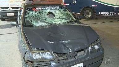 Homem é atropelado e morre na Rodovia SP-101 entre Campinas e Monte Mor - Segundo motorista, o homem estava no meio da pista no momento do acidente. Ele foi submetido ao teste do bafômetro, que não constatou embriaguez.