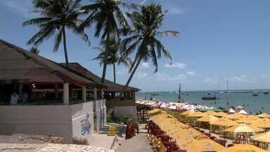 Reabertura das barracas lacradas pelo Ibama na Praia do Francês é adiada - A reabertura estava prevista para esta terça-feira (21).