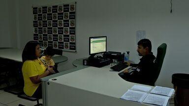 População reclama da demora em fazer boletim de ocorrência no Ceará - Algumas pessoas que aguardam até duas horas.