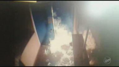 Atendimento é suspenso em UBS de Valinhos após ato de vandalismo - Três homens invadiram o prédio por volta da meia noite e utilizando um galão de gasolina, atearam fogo no local; serviço foi interrompido na manhã desta terça.