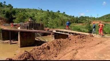 Nova ponte começa a ser construída em Colatina, ES - Desde 2013 moradores esperavam a construção da ponte, que foi parcialmente destruída após uma enchente.