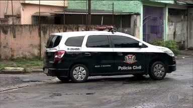 Número de policiais civis vem caindo em 14 estados e no DF - Em todo o país faltam mais de 50 mil policiais. O resultado é que não tem policial para investigar os crimes. Em São Paulo, nos últimos dois anos, houve redução de 1,5 mil agentes.