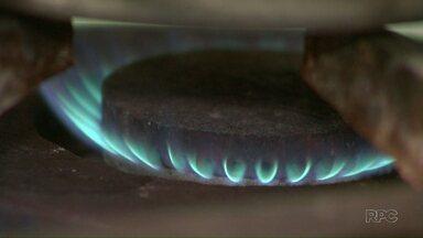 Gás de cozinha fica 9,8% mais caro depois de reajuste repassado pela Petrobras - Em média, o botijão que custava R$ 65 deve passar para R$ 67 a R$ 70.