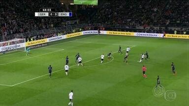 Com golaço, Podolski se despede da seleção alemã - A Alemanha derrotou a Inglaterra por 1 a 0.