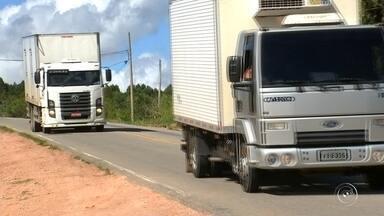 TEM Notícias confere as condições da rodovia Bungiro Nakao, que liga Piedade a Ibiúna - Uma rodovia muito perigosa que passa na região de Sorocaba. È a Bungiro Nakao, que liga Piedade e Ibiúna.