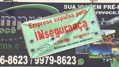 Agência de turismo muda de endereço para evitar assaltos, mas é vítima de novo crime - Câmeras de segurança registraram a ação criminosa, em Goiânia.