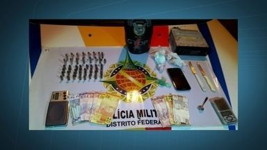 Menor é flagrado com drogas dentro na mochila no DF - Além das drogas, foi encontrado duas balanças, um aparelho de som automotivo, um celular e 48 balas de armas de calibres diferentes.