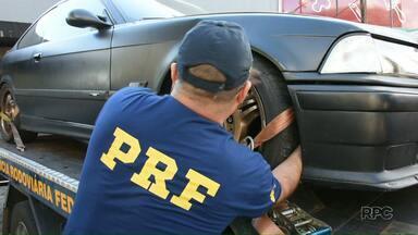 Suspeito de participar de rachas tem carro apreendido em Curitiba - O dono do carro confirma que já rodou a 240km/h com o veículo, que passará por perícia para checagem de modificações no motor.