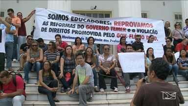 Professores realizam protesto contra proposta de reajuste proposto pelo governo do MA - Professores realizam protesto contra proposta de reajuste proposto pelo governo do MA