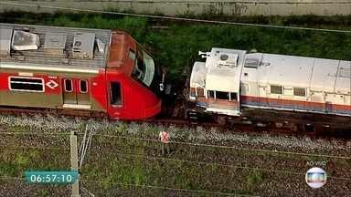 Trem da CPTM quebra na estação Ceasa nesta sexta-feira (24) - Por causa do problema, os trens estão circulando mais lentamente na Linha 9-Esmeralda.