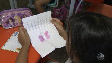 Crianças de Salvador e Curitiba trocam cartas através de projeto - Confira como foi a reação da criançada.