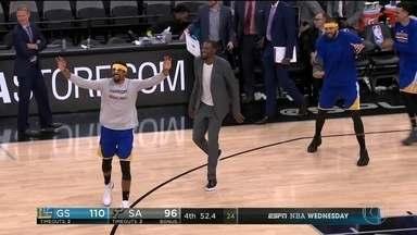 Golden State Warriors consegue virar diferença e vence o San Antonio Spurs na NBA - Golden State Warriors virou a diferença de 22 pontos e venceu os Spurs por 110 x 98 na NBA.