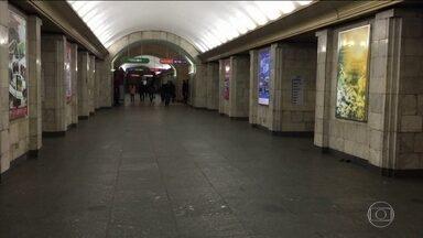 Polícia identifica suspeito do atentado que deixou 14 mortos em metrô russo - Jovem de 22 anos tinha nacionalidade russa e era nascido no Quirguistão. Por telefone, Vladimir Putin recebe apoio de Donald Trump ao povo russo.