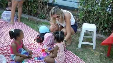 Campos, RJ, recebe piquenique para troca de experiências de mães - Confira a seguir.