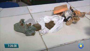 Maconha e carregador de celular são arremessados no pátio do presídio do Roger - O material foi capturado de madrugada, após ser arremessado sem identificação.