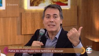 Médicos explicam a diferença entre coma e morte cerebral - Dr. Tércio Genzini e Dr. Fernando Gomes Pinto tiram dúvidas da plateia sobre o transplante de órgãos e garantem que as famílias são abordadas apenas nos casos de morte cerebral