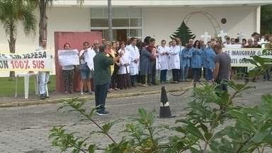 Funcionários protestam contra demora na conclusão das obras do centro cirúrgico do Cepon - Funcionários protestam contra demora na conclusão das obras do centro cirúrgico do Cepon