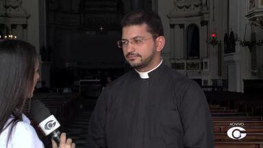Arquidiocese de Maceió realiza a grande Procissão do Encontro - Encontro de duas procissões acontece na tarde desta terça-feira (11), no Centro de Maceió.