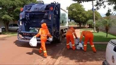 Prefeitura diz que tem feito coleta de lixo em Ponta Porã - Segundo a prefeitura, coleta nesta terça-feira é nos bairros Jardim Flamboyant, Jardim das Rosas, Grande Marambaia e Parque de Exposições.