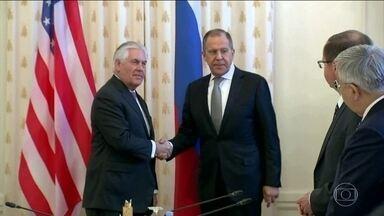Rússia e EUA reconheceram que relação não está boa e que a confiança anda em baixa - Porém, prometeram tratar de melhorar. Isso foi depois de encontro em Moscou entre o chefe da diplomacia americana, Rex Tillerson, e o presidente Vladimir Putin.